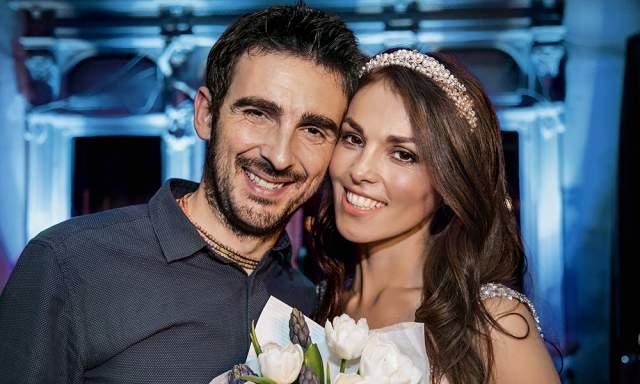 Молодые люди познакомились в Германии на свадьбе подруги Сати, Марины Миссбах, которая вышла замуж за брата Стефано, Кристиана Тиоццо.