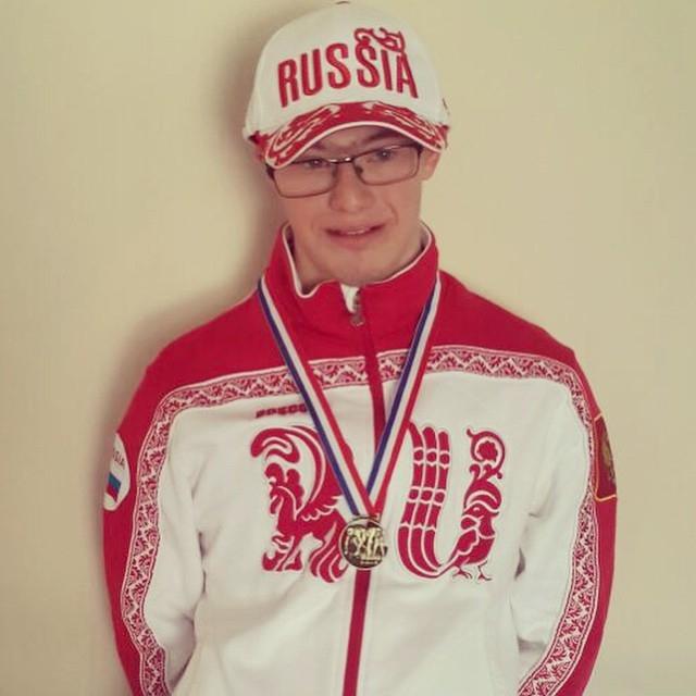 У Бориса с Машей есть еще и брат, 20-летний Глеб Дьяченко . Он родился с синдромом Дауна, и кроме данного факта, об этом внуке Ельцина практически ничего не известно.