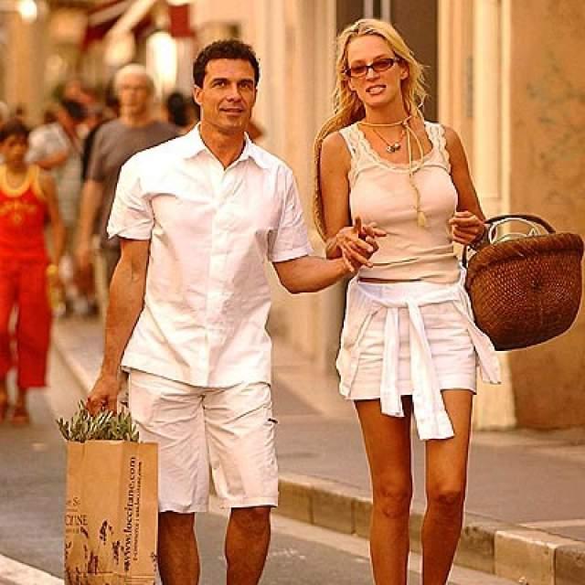 Сейчас семейное счастье актрисы составляет бизнесмен Андре Балаш, владеющий сетью роскошных отелей и элитными виноградниками.
