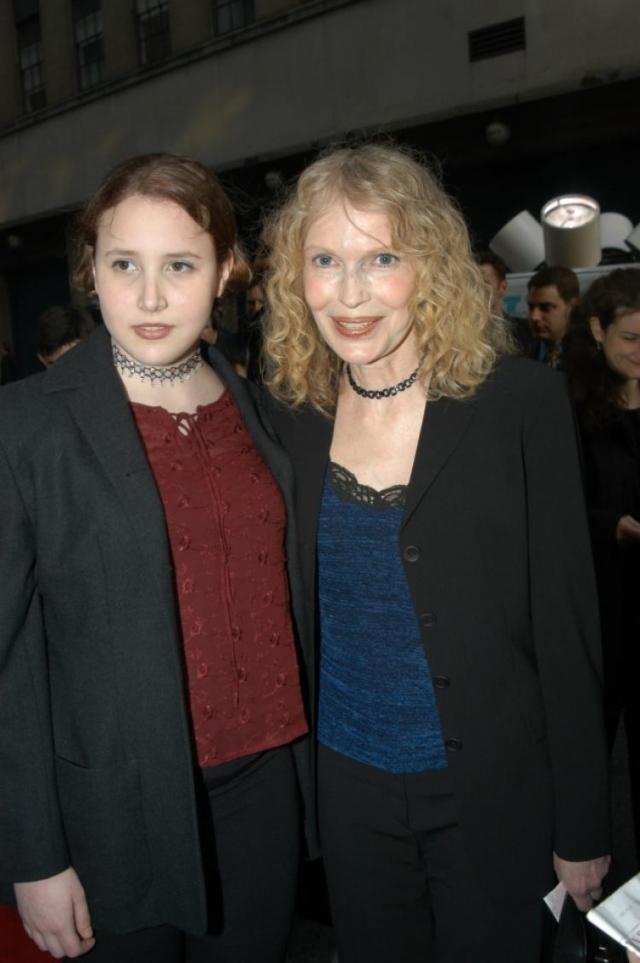 1 февраля 2014 года приемная дочь Дилан также заявила о сексуальных домогательствах в детстве со стороны Аллена, но режиссер назвал обвинения ложными.