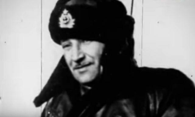 Вице-адмирал Тихонов осваивал совершенно новое дело: возглавил флотилию с иноходными судами, подводными лодками, самолетами и береговыми частями различного назвачения.