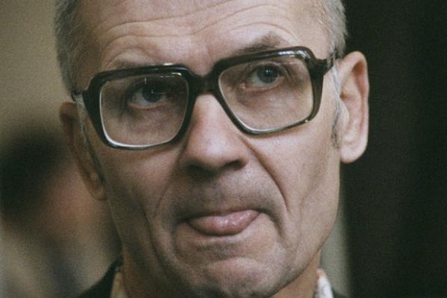 За 12 лет кровавой деятельности, с 1978 по 1990 год, он совершил 53 убийства (доказанных, сам маньяк признавался в совершении 65 убийств), держа в страхе всю страну.