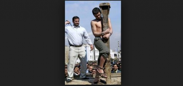 Однако полиция находилась в неведении об его преступлениях, поскольку большинство жертв маньяка были детьми нелегальных афганских беженцев, которые боялись сообщать, что их сыновья пропали без вести.
