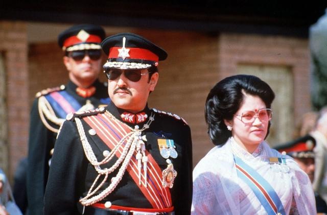 Родители выбрали для сына другую невесту – Суприе Шах из королевского рода Шахов.
