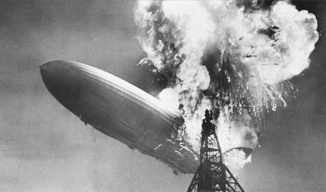 """Научные просчеты Самый большой воздушный корабль - дирижабль """"Гинденбург"""" был накачан водородом, что послужило причиной его взрыва и гибели 36 человек."""