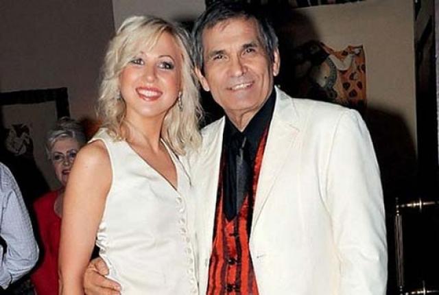 Бари Алибасов. Дамой сердца продюсера стала Виктория Максимова, которая до этого работала в его пресс-службе.