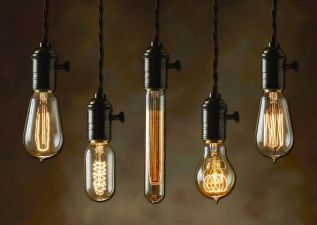 Лампочка Эдисона. Сейчас повсеместно принято считать, что электрическая лампочка была впервые придумана Томасом Эдисоном.