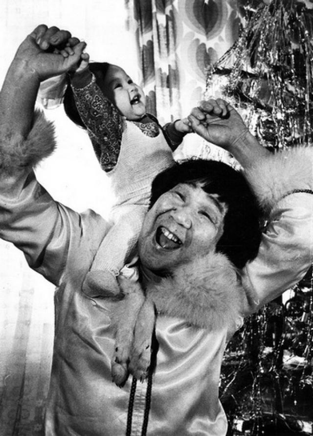 Именно как результат большой популярности Кола Бельды в стране возникли и распространились многочисленные анекдоты про наивных и простодушных чукчей, про их непонимание городской, а особенно московской жизни.