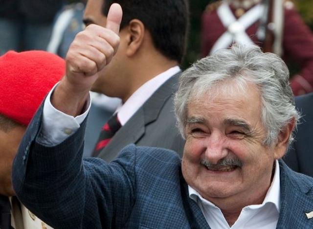 В странах Латинской Америки начал было разгораться скандал, и дошло даже до обмена нотами протеста, когда Мухика заявил, что сказанное им к президенту соседнего государства, якобы, не относится...