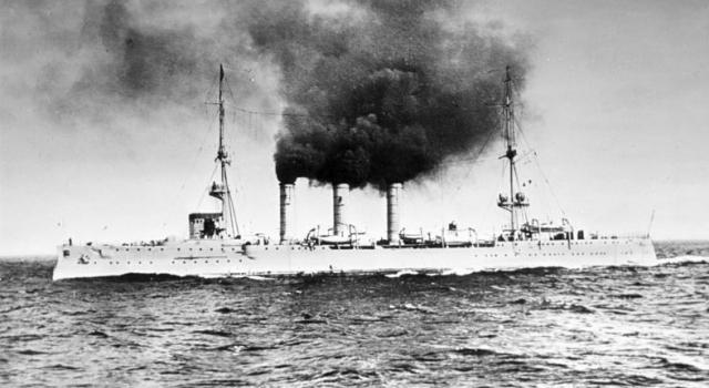 """При торпедировании лайнера командир подводной лодки Александр Маринеско был убежден, что перед ним не пассажирский лайнер, а военный крейсер """"Эмден""""."""