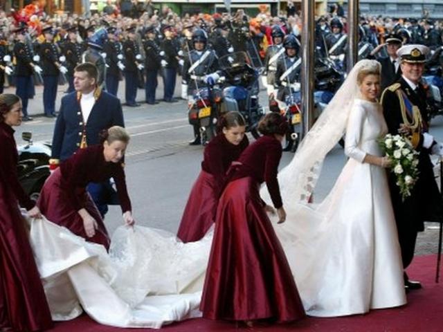 Свадьба норвежской принцессы Максимы и принца Оранского состоялась 2 февраля 2002 года.