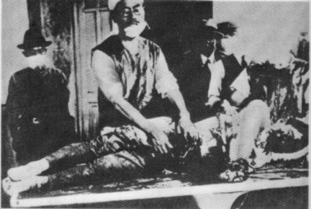 Также он проводил другие эксперименты на людях - вызов абортов, моделирование сердечных приступов, гипотермию, обморожения, вивисекции.