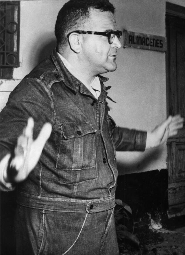 После доставки в Мексику досье испанской полиции личность Меркадера была установлена окончательно.