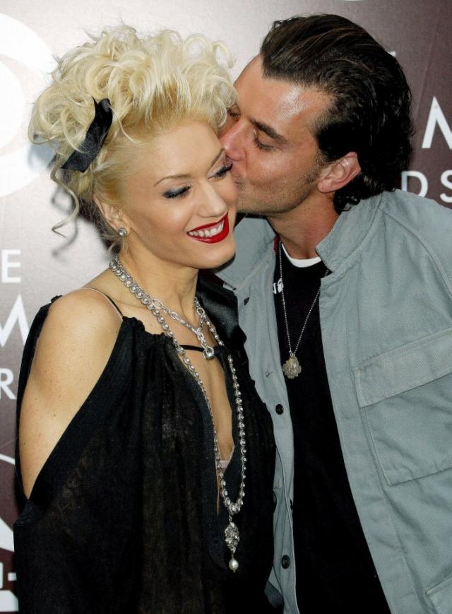 Гвен Стефани и Гэвин Россдэйл объявили о разводе 13 августа после 13 лет совместной жизни. Позже стало известно, что причиной послужили романтические отношения Россдэйла с няней их детей.