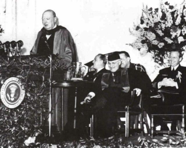 Британский политический лидер консерваторов Уинстон Черчилль мог похвастаться незаурядным ораторским талантом. Он не раз уважительно высказывался об СССР и русском народе, имея в виду роль в деле победы во Второй мировой войне.