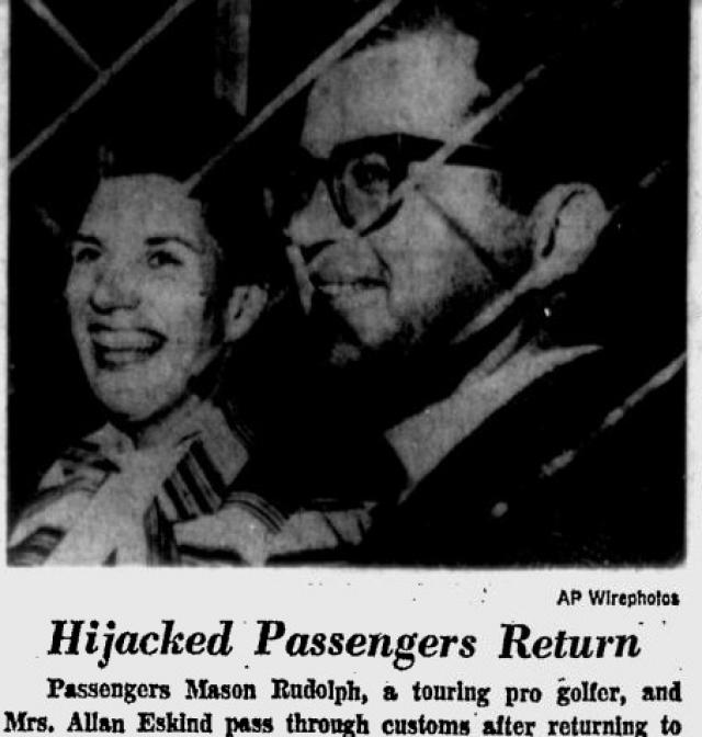 Требования были выполнены. По прибытии власти Кубы угостили пассажиров злополучного рейса лимонадом и кофе и раздали им портреты Че Гевары в качестве сувениров.