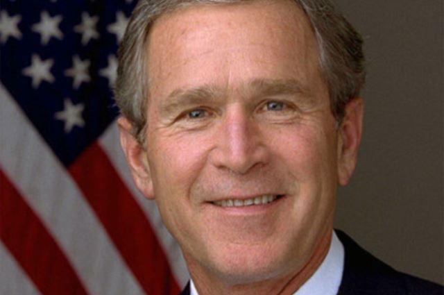 """Впрочем, и своих соотечественников Буш не оставил без внимания. В августе 2004 года в Вашингтоне президент заявил: """"Наши враги обладают технологиями и ресурсами. И мы - тоже. Они не перестают думать о том, чтобы навредить нашей стране и нашему народу. И мы - тоже""""."""