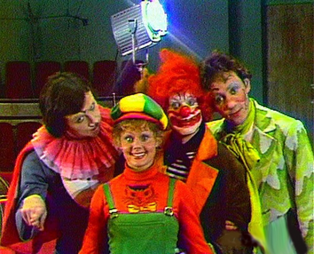 """В 1978 году """"АБВГДейка"""" вновь появилась на экранах, но с другими клоунами - их сыграли цирковые артисты: Ириска, Клепа, Левушкин и Юра. В 1984 году состав вновь обновился - из """"старичков"""" остался Клепа, компанию ему составили Аксюта, Костя и Собака-друг человека."""