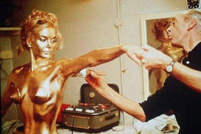 "Ширли Итон в ""Голдфингере"", 1964 год"