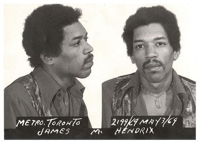 Джимми Хендрикс был арестован в мае 1969 года в Международном аэропорту Торонто, после того, как в его багаже нашли героин и гашиш.