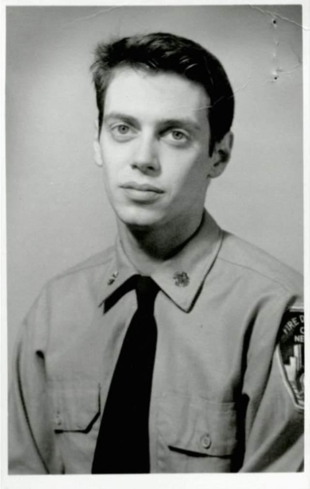 Стив Бушеми довольно долго проработал пожарным, пока не стал актером.
