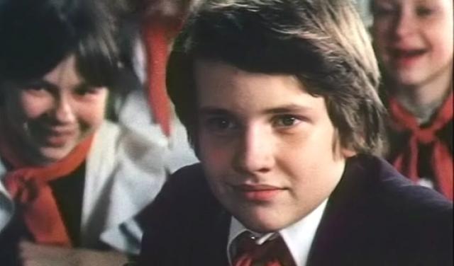 """Дмитрий Егоров (32 года) . Сын актрисы Натальи Кустинской, который известен прежде всего по фильму """"Чучело"""", в котором сыграл Диму Сомова. Родители были против того, что он пошел в актерскую профессию. Мальчик послушался."""