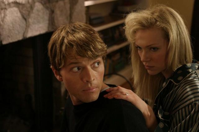 """"""" Карла """" (2006). Фильм рассказывает о том, как Поль Бернардо и его супруга, Карла Хомолка, похитили, сексуально использовали и убили трех молодых девушек."""