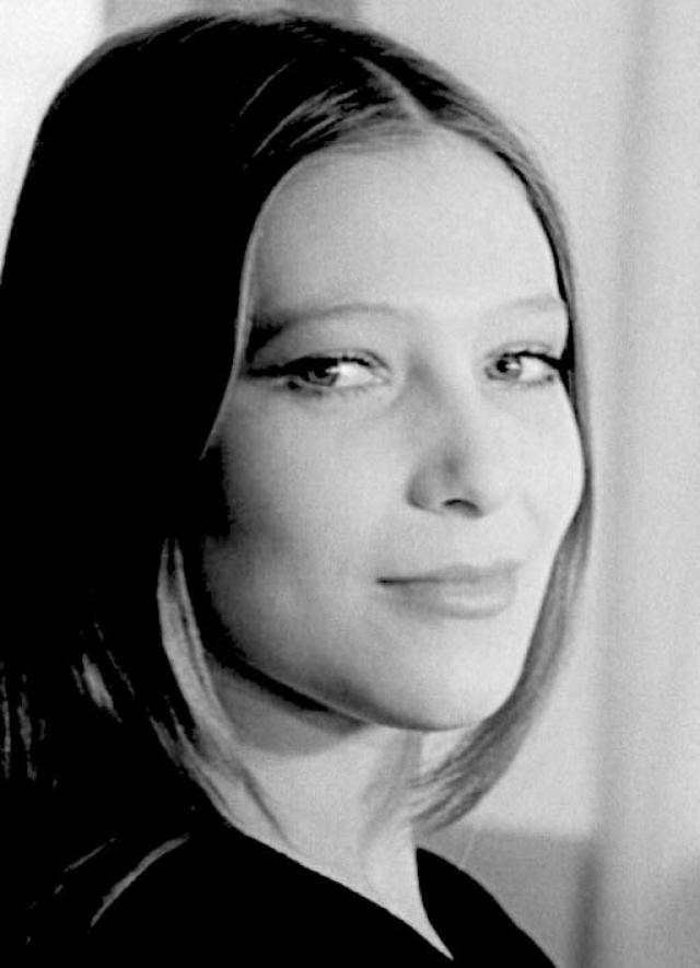 Елена Майорова (1958-1997). Актриса погибла при трагических обстоятельствах 23 августа 1997 года, официальной версией стал несчастный случай, хотя некоторые говорят о самоубийстве.