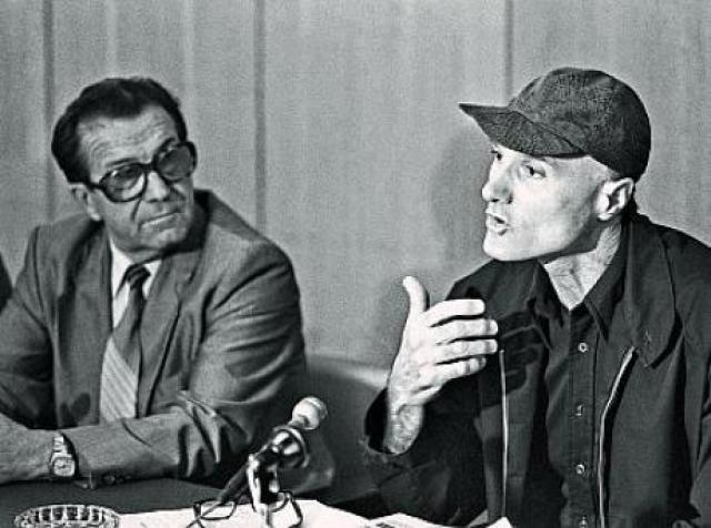 """В 1986 году журналист-международник Иона Андронов опубликовал в """"Литературной газете"""" душераздирающую статью о простом американце Джозефе Маури , который лишился и работы, и крыши над головой."""