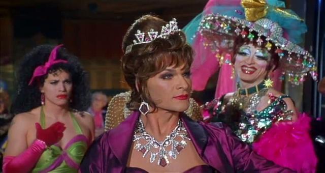 """Патрик Суэйзи. Актер сыграл трансвестита в комедии 1995 года """"Вонг Фу, с благодарностью за все! Джули Ньюмар""""."""