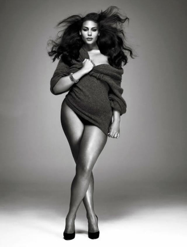 Вскоре девушка получила приглашение на съемку для каталога одежды больших размеров марки Evans. Кроме того, Маркита также приняла участие для легендарной съемки Стивена Мейзела для Vogue Italia, хоть и не попала на обложку.