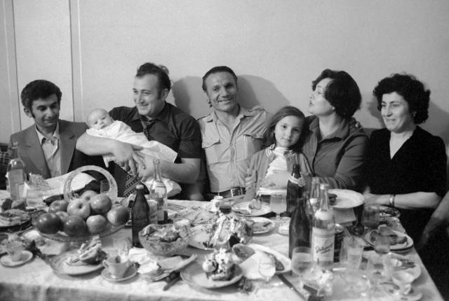 Позже Шаварш встречался со многими из спасенных, которые считали его частью своей семьи.