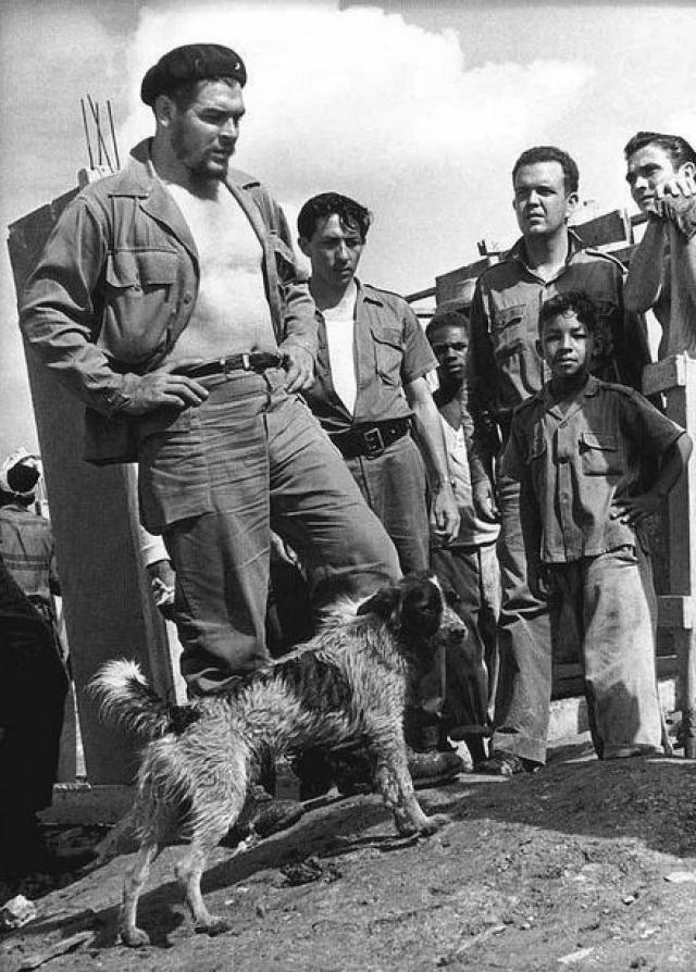 В ноябре 1958 года Гевара возглавил несколько успешных партизанских атак в провинции Орьенте, в результате которых было захвачено несколько стратегических точек, а Батиста сбежал из страны, которая перешла под контроль революционеров.