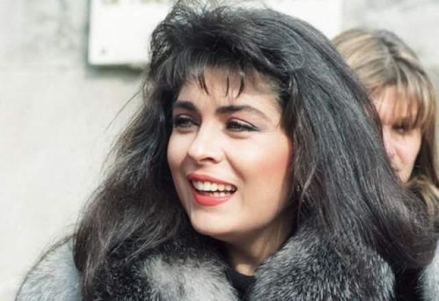 Виктория Руффо Первый ролик с участием иностранной кинозвезды на российском телевидении вышел в 1993 году.