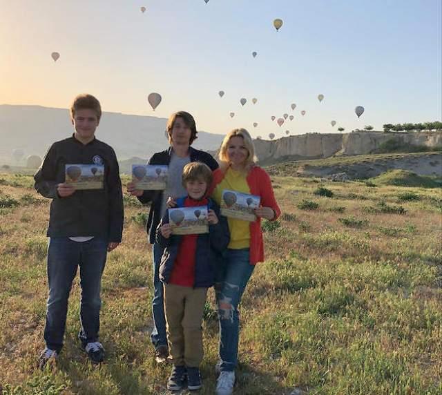 Мужчина сделал предложение бывшей супруге пресс-секретаря президента России в мае 2018 года. Они поднялись на воздушном шаре в небо над Каппадокией, и Григорьев в присутствии сыновей Екатерины, встал на одно колено.