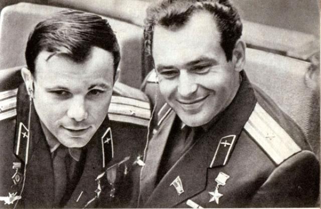 Первым человеком в космосе мог стать Герман Титов, который наравне с Гагариным был лидером в первом отряде космонавтов. Гагарина выбрали из-за его харизматичности и соответствию образу простого русского парня.