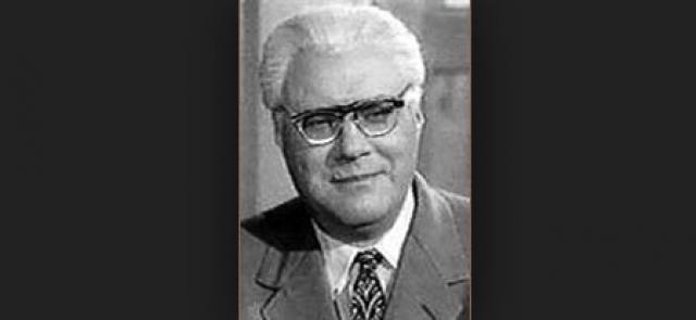Скончался актер 30 октября 1971 года. Похоронен в Москве на Головинском кладбище.