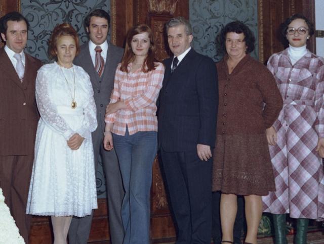 Конец 1989 года стал трагедией для Зои, Нику и Валентина Чаушеску . После быстрого суда они лишились родителей, их, всю жизнь привыкших лишь к самому лучшему, бросили в тюрьму. Все их немалое имущество было конфисковано.
