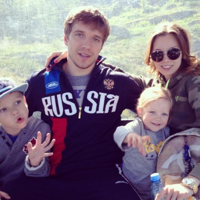 Через пару лет молодые люди поженились, а сейчас у Кулеминых подрастают сын Алексей и дочь Даниэла.