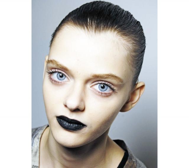 Маша Тельна. Девушка родом из Харькова, где и начала свою карьеру.
