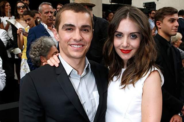 Дэйв Франко также тайно сочетался браком с 34-летней актрисой Элисон Бри .