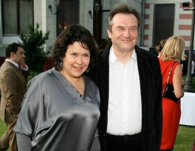 Лишь спустя много лет, не так давно, Персильд призналась в интервью, что отец ее дочерей - Алексей Учитель. Несмотря на это, режиссер по сей день официально женат на продюсере Кире Саксаганской.