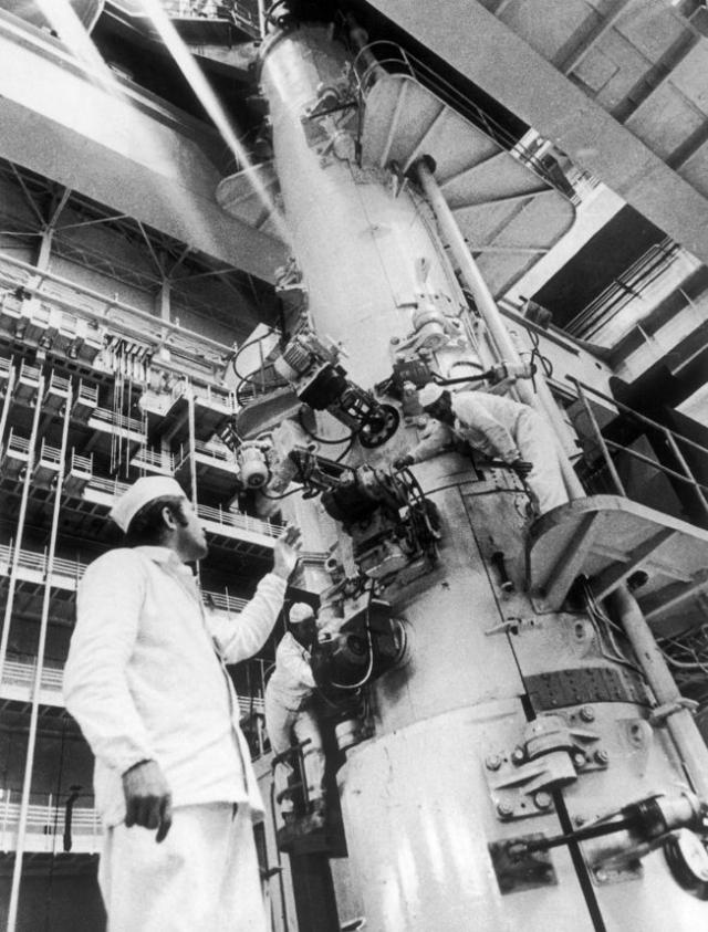 В 1:23:04 начался эксперимент. Из-за положительного парового коэффициента реактивности мощность реактора нарастала, однако в течение почти всего времени эксперимента поведение мощности не внушало опасений сотрудникам.
