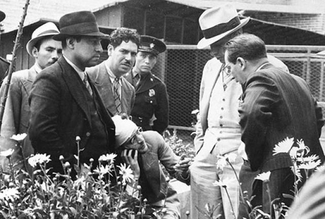 """Письмо было подписано """"Жак"""" и датировано 20 августа 1940 года: экспертиза, проведенная мексиканской полицией, установила, что в действительности оно было написано задолго до этой даты."""