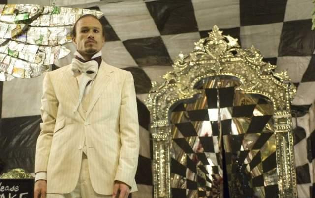 """""""Воображариум доктора Парнаса"""" (2010). Хит Леджер погиб в 28 лет, едва успев приступить к съемкам Терри Гиллиама. Он отснялся всего в нескольких сценах."""