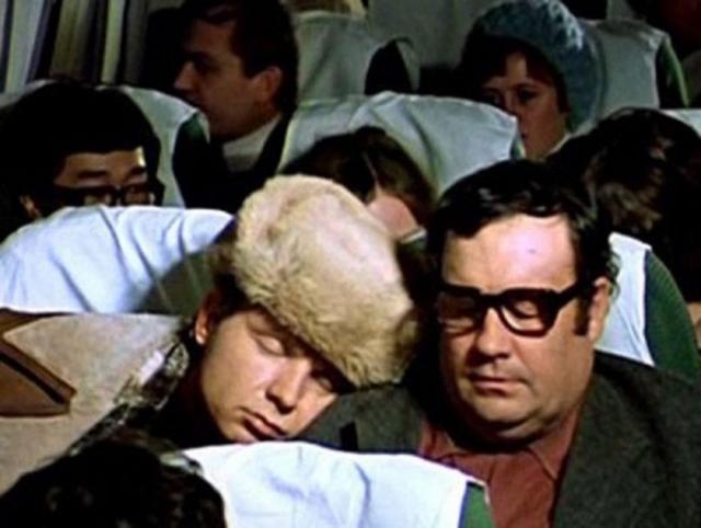Эльдар Рязанов сыграл в картине одну из характерных для него эпизодических режиссерских ролей - пассажира в самолете, на которого постоянно сваливается спящий Лукашин. Позже он рассказывал, как был очень расстроен, когда при просмотре снятого эпизода обнаружил, что в кадрах видно, как сквозь его не редкую еще шевелюру проглядывает лысина.