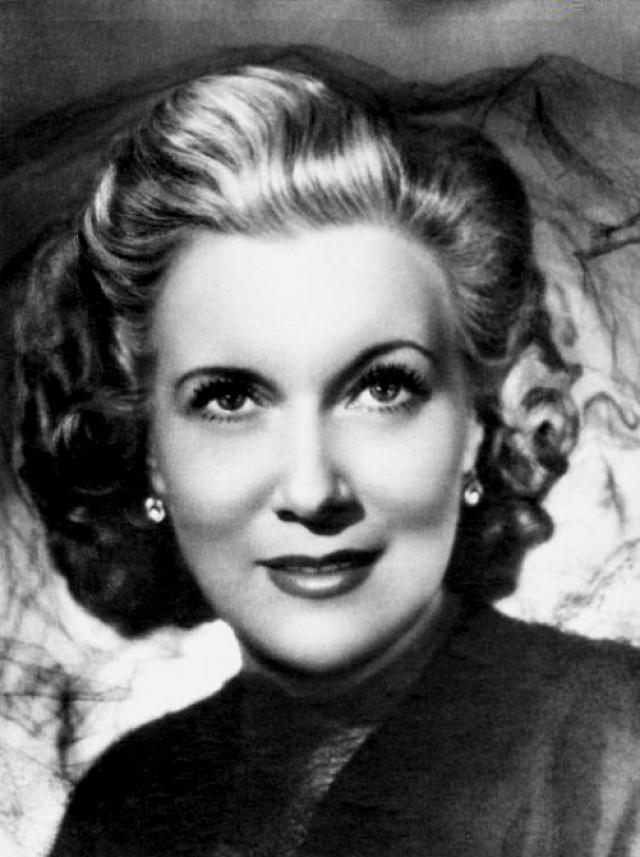Одной из первых советских актрис Орлова стала прибегать и к пластической хирургии.