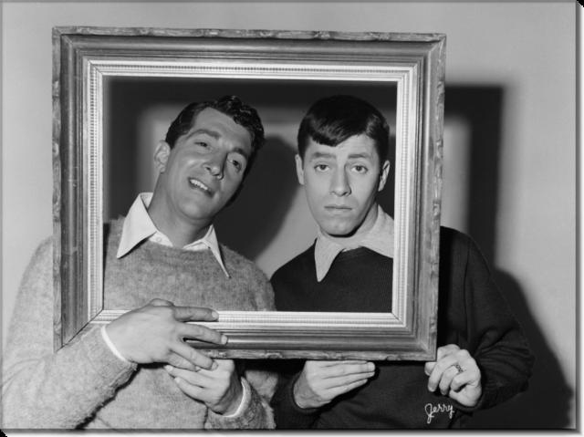 Биографы Мартина утверждают, что в начале карьеры он работал на мафию и принимал от нее помощь, но слухи ничем не подтвердились. К концу 40-х он привлек внимание продюсеров Голливуда, но активная деятельность как актера начала развиваться только в начале 50-х.