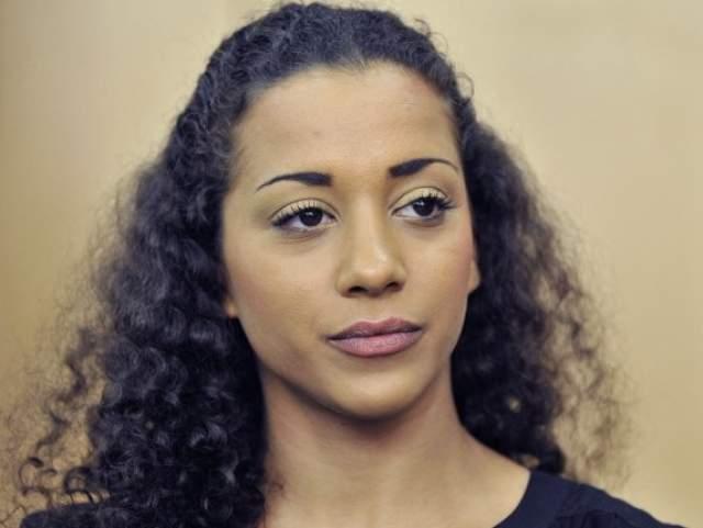 """Надя Бенаисса, 36 лет, певица. Германская певица, известная как участница поп-группы No Angels и местной """"Фабрики звезд"""", в 2010 году покинула группу - после того, как получила два года условно за заражение сексуального партнера ВИЧ."""