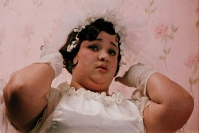 Наталья Крачковская. По мнению врачей, причиной плохого самочувствия актрисы был лишний вес - 130 килограммов. При этом все ее попытки похудеть сводились к нулю.